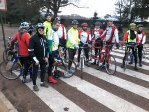 Rencontre tandémiste du 15 février 2015 entre les membres du club Nanterre cyclotourisme et l'ASLAA. Photo : Nanterre cyclotourisme.